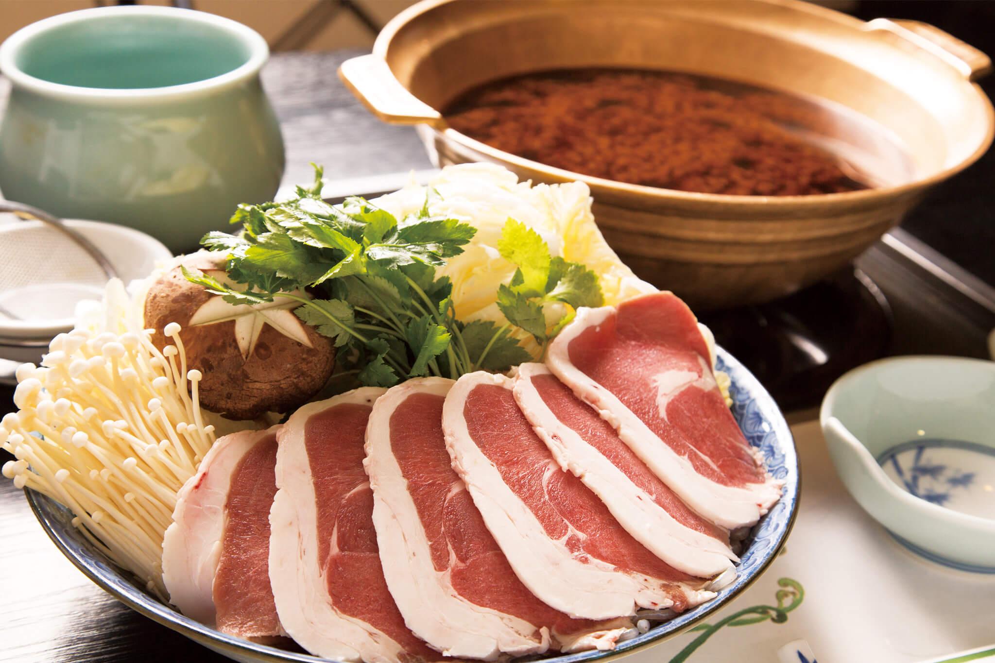 >ボタン鍋(イノシシ鍋)