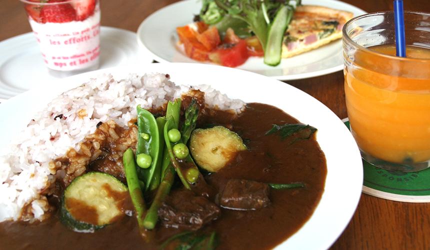 >鹿肉と地元産季節の野菜のカレー
